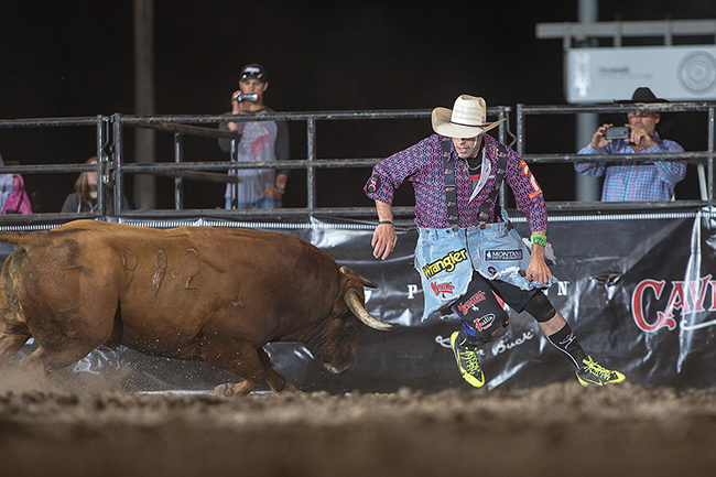Dusty Tuckness of Meeteetse, Wyo., will try to repeat his Cody (Wyo.) Stampede Bullfighters Only title this Friday. Tuckness won his first BFO title last year in Cody and now leads the 2017 Pendleton Whisky World Standings. (TODD BREWER PHOTO)