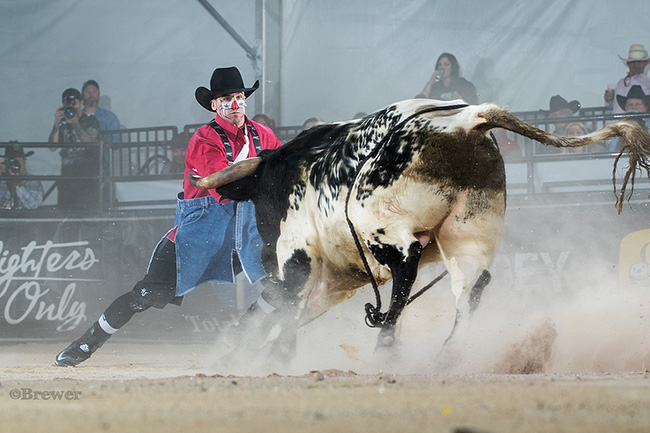 Tanner Zarnetski won the 2017 Bullfighters Only Roughy Cup on Thursday afternoon and sets himself up well for the BFO Las Vegas Championship next week. (TODD BREWER PHOTO)