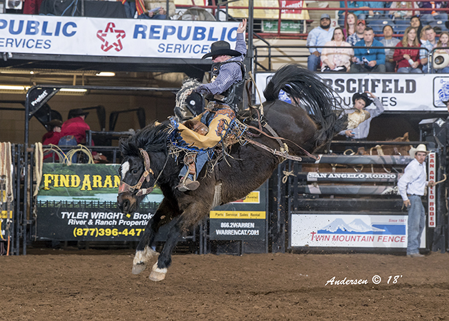 Two-time world champion Taos Muncy rides Northcott Macza's Moving Shadows for 87 points to move into second place in saddle bronc riding at the San Angelo Stock Show and Rodeo. (RIC ANDERSEN PHOTO)